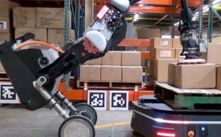 波士頓動力除(chu)了人和狗之(zhi)外(wai),又(you)推(tui)出(chu)一款新型機器人
