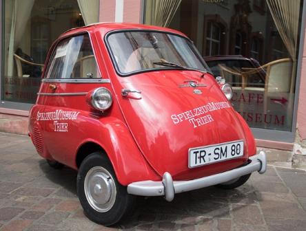 瑞士公司推出Microlino 2.0電動汽車,...