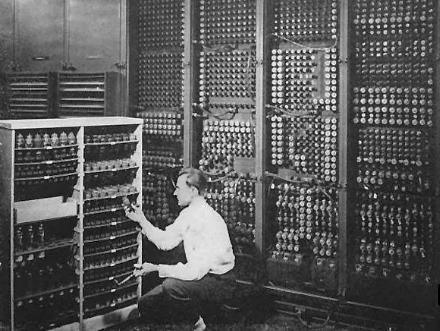 晶体管计算机的诞生及优缺点
