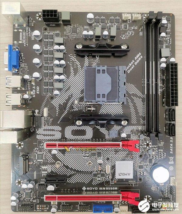 首块B550主板曝光 两根PCIe 4.0 x16插槽及一根X4插槽