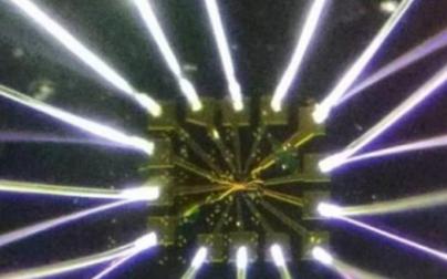 石墨烯潜的量子潜力,同时具有绝缘和磁性的神奇材料