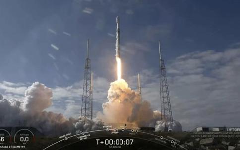 SpaceX 60颗Starlink星链互联网卫星成功在轨运行