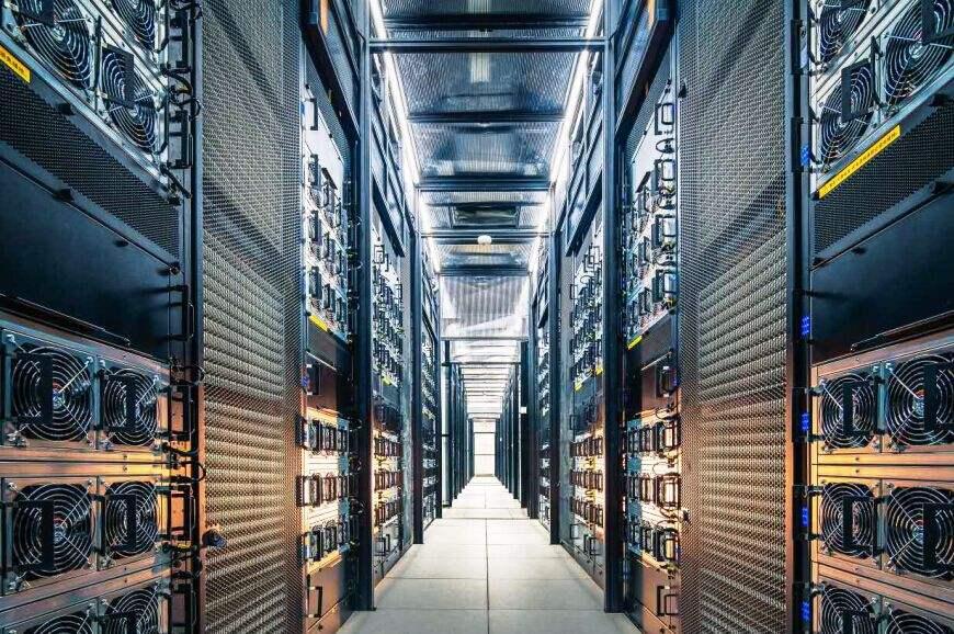 电力消耗大运营成本过高,数据中心节能减排不容忽视