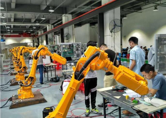 工業機器人技術學啥_學工業機器人難不難