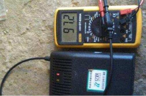 电动车充电器用错了有什么后果_电动车充电器正确充电方法
