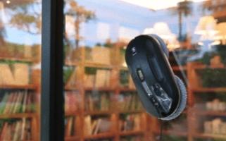 HOBOT家用窗户清洁机器人HOBOT-388上线,支持手机或遥控器远程遥控