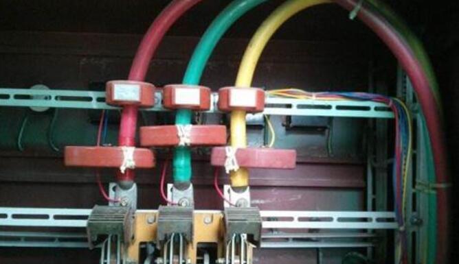 配电柜中的电流互感器起什么作用
