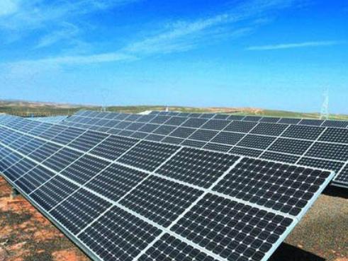 彩虹(hong)新能源(yuan)公布2019年度業績 光伏玻(bo)璃營收大幅增長53.93%