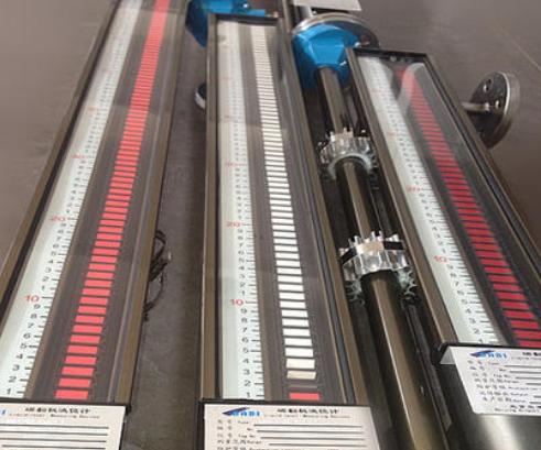 防腐磁翻板液位計安裝及使用的注意事項