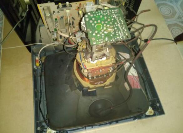 彩電維修偏轉線圈的好壞判斷
