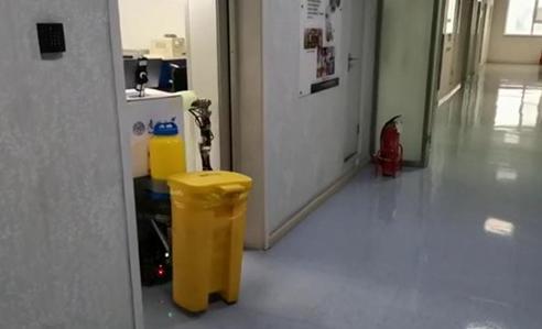 南开大学研制出了一种智能防疫遥操作机器人小安