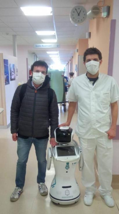 意大利一家医院正在采用机器人来照顾新冠肺炎病人