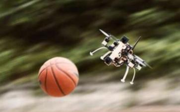 新型无人机技术可以快速地躲避障碍物