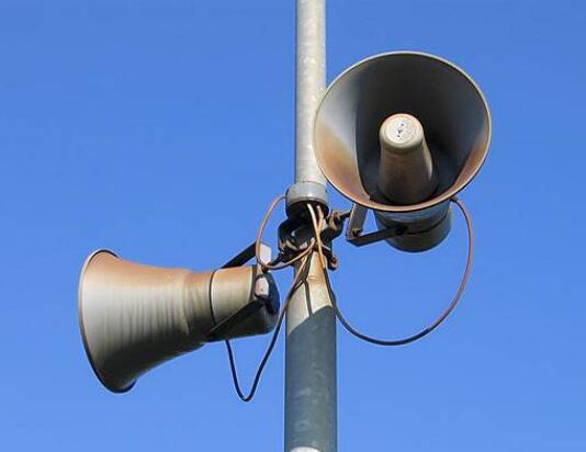 蜂鸣器和扬声器的区别是什么