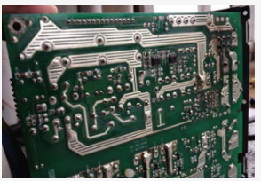 如何解决PCB电镀金层发黑的问题