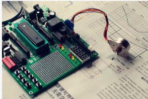 单片机系统中晶振的作用是什么