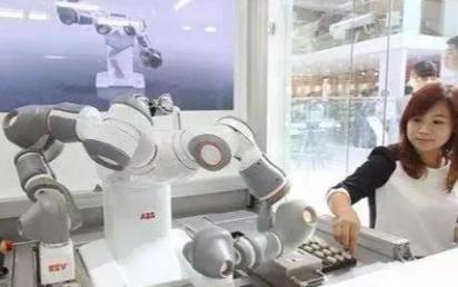 工业机器人与数控机床集成的四大应用
