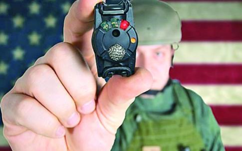 可放在防彈衣內的傳感器檢測是否受傷