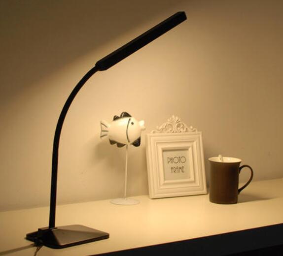 led台灯不亮了怎么修_led台灯灯闪烁故障解决方法