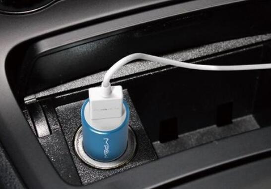 車載充電器充不進電是什么原因_車載充電器一直插著好不好