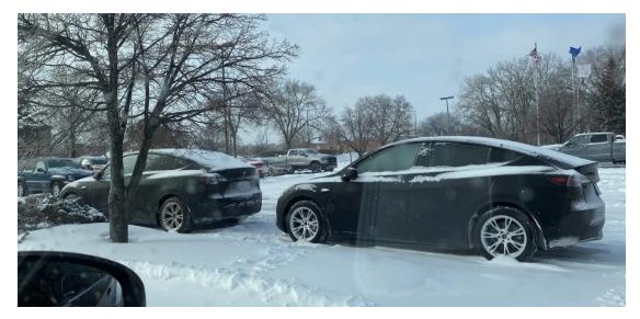 特斯拉Model Y雷达加热器助力自动驾驶功能积雪天气正常运行