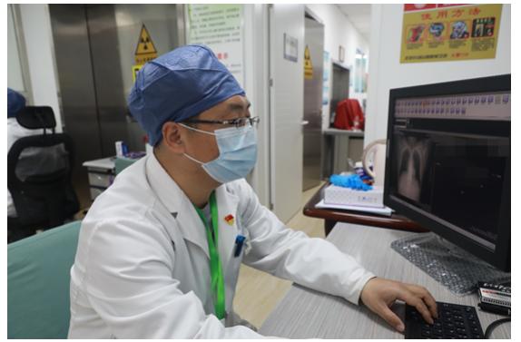放射AI輔助診斷系統進駐(zhu)小湯(tang)山(shan)醫院