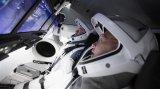 SpaceX载人飞船内部场景首次曝光 iPad亮...