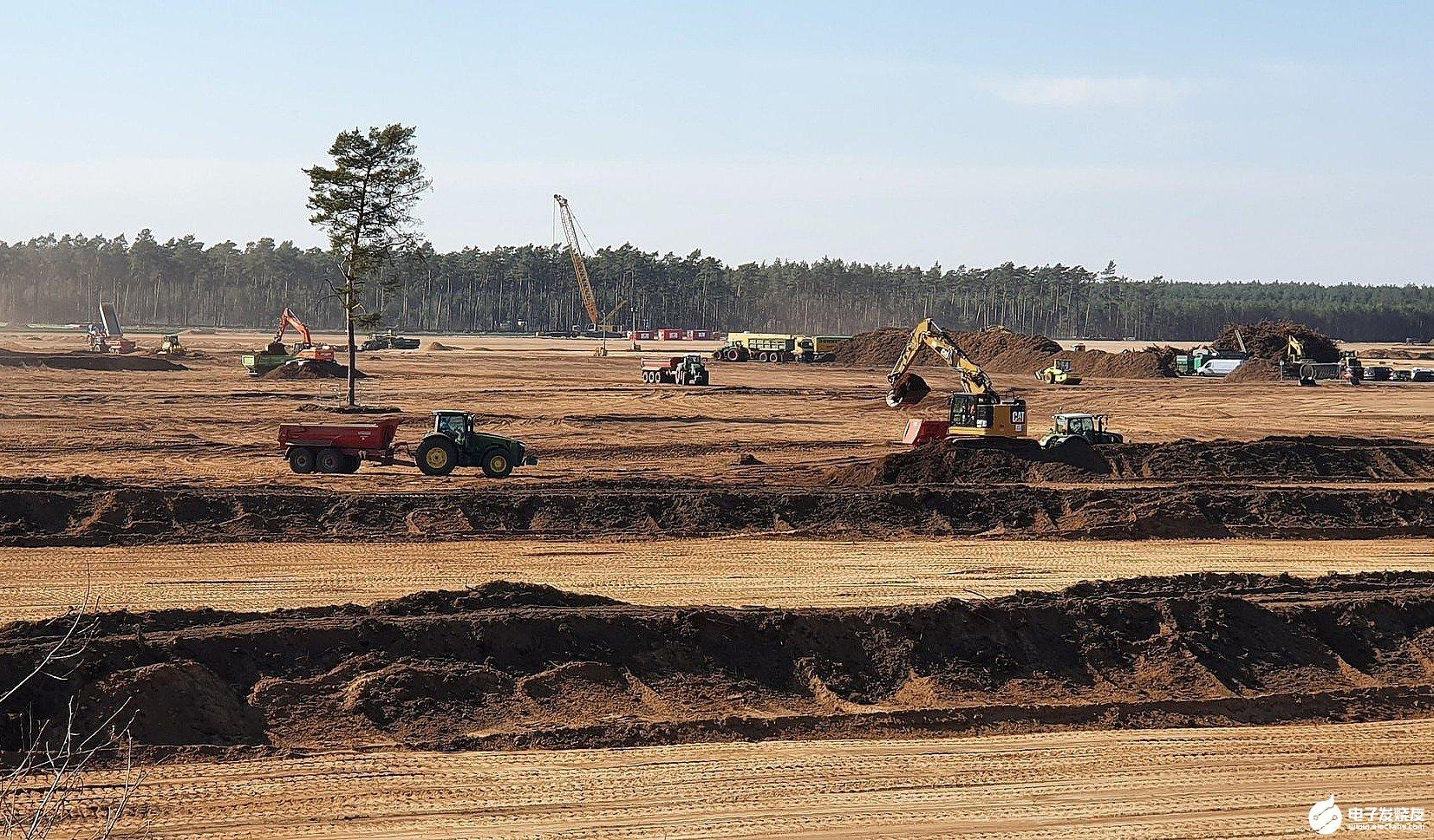 特斯拉柏林工厂地面平整工程有望在本周末完成 破土动工仪式可能会被推迟或完全取消