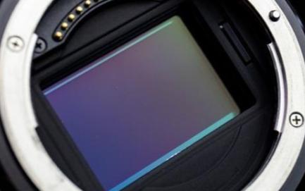 關于單反相機,它(ta)的傳(chuan)感器尺寸都有哪些