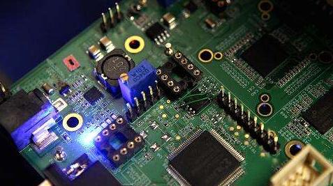 紫光國微保持快速發展勢頭 有序推進180億重組完善產業鏈