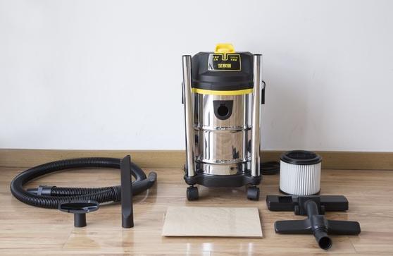 如何正确的使用吸尘器