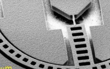 科学家首次在200 ℃下实现非易失性纳米继电器的运行