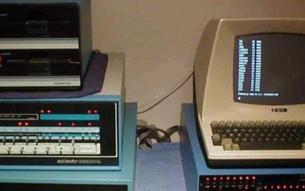 七十年代初的一個重要(yao)標志,分布式計算機系(xi)統(tong)