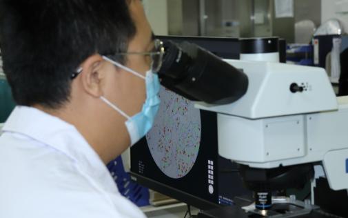 我国第一款智能显微镜获批临床应用