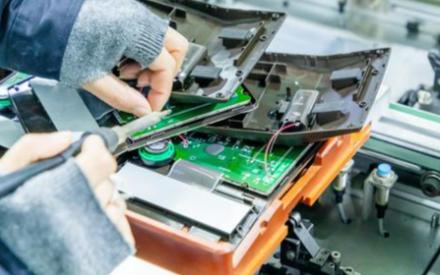 目前芯片技术尚不可替代,摩尔定律将长期有效