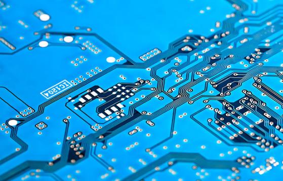 台积电晶圆级封装技术获新突破 推出支援超高运算效...