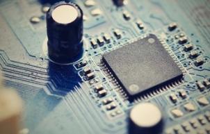 如何使用电容来抑制EMI传导干扰