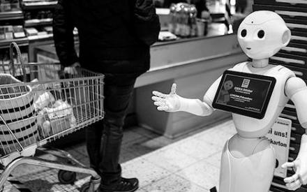 疫情之下催生服务机器人潮,可代替人工减少感染