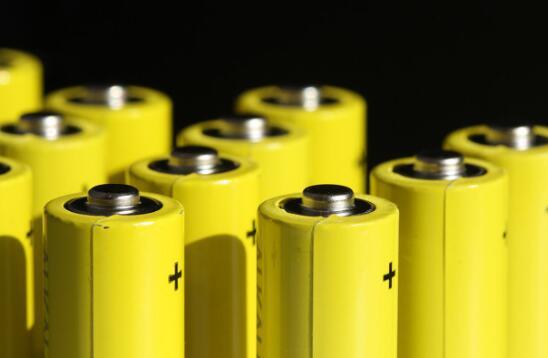 AL锰酸锂电池和三元锂电池对比