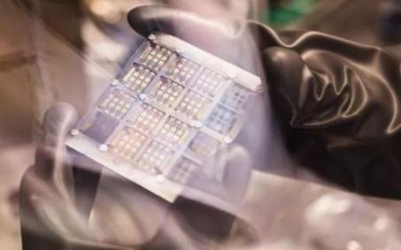 科学家成功研制出新型钙钛矿发光二极管,既高效又稳定