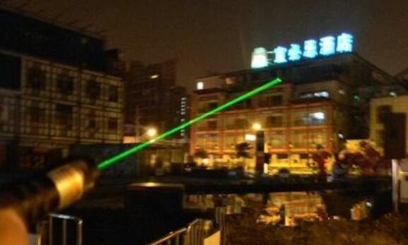 單綠激光燈的優點_單綠激光燈如何發揮好的效果