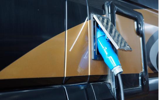 AL从电池技术及车身设计上来提升电动汽车的续航里程