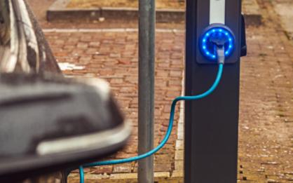 从电池技术及车身设计上来提升电动汽车的续航里程