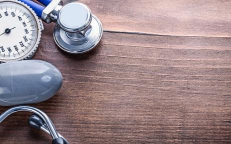醫用吸入器使用者每次吸入的藥物量應該是應有的一半