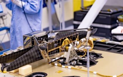 NASA把直升機搭乘漫游車送往火星