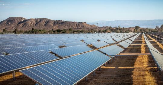 太阳能板是如何抵御各种恶劣天气的?