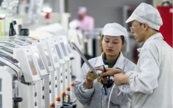 需求下降促使iPhone工厂减少加班解雇工人