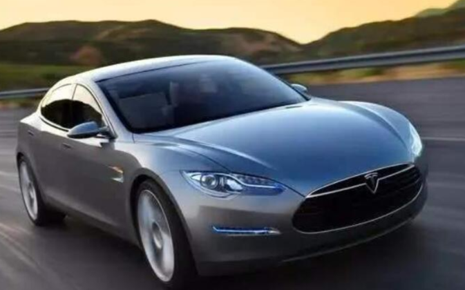 LG化學搭檔特斯拉銷售順風車 晉級動力電池3月第三名