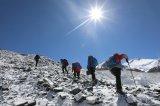 中国移动对穆朗玛峰实施通信覆盖,已完成3个5G基...