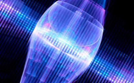使用巨型原子离子来对量子计算进行加速